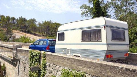 Campingvogn betyr mange kilo bak på bilen, det passer ikke alle elbiler, selv om de har hengerfeste.