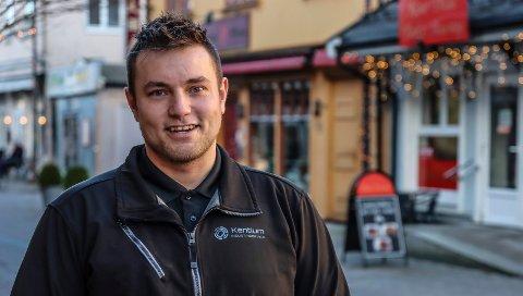 EGET FIRMA: Kent Henriksen driver firmaet Kentium Industriservice. Tidligere i år har han slitt for å holde bedriften i gang, men nå ser det ut til å lysne.
