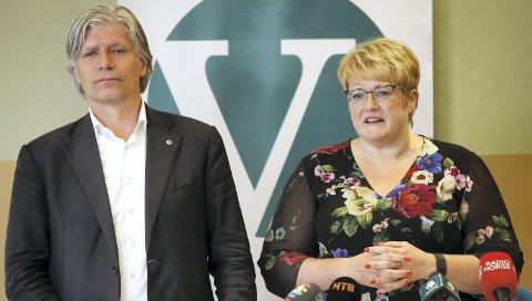 Ola Elvestuen og Trine Skei Grande skal til helgen avgjøre om Venstre skal inngå i et regjeringssamarbeid med Høyre og Frp.