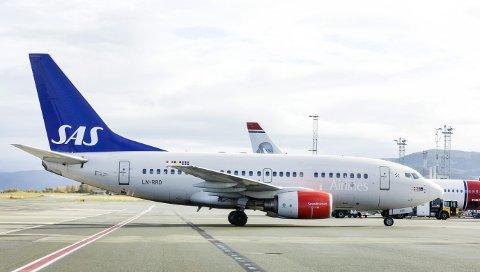 SAS sier de nå vil holde seg unna kostnadsreduserende tiltak som rammer lønna til de kabinansatte utenfor lønnsoppgjørene.