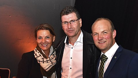 IØ-trio: Ingjerd Schou (H, f.v.), Stein Erik Lauvås (Ap) og Ole Andre Myhrvold (Sp) representerer Indre Østfold på Stortinget. Valgmålingen fra april viser at alle tre er trygge for enda en periode på Stortinget.