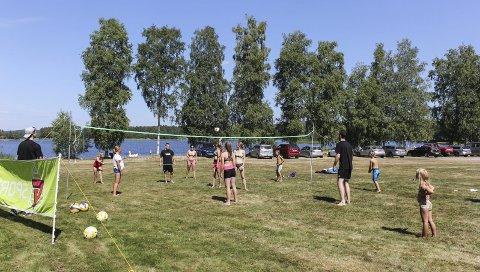 GRATIS: Askim Volleyballklubb arrangerte i år som tidligere år gratis beachcamp for barn og unge i Indre Østfold.