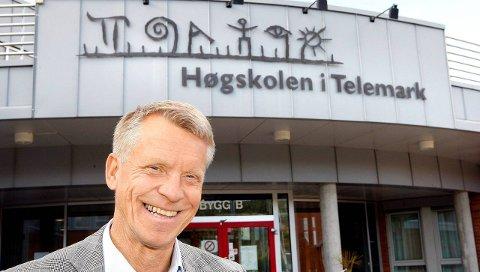 FORNØYD: Rektor ved HiT, Kristian Bogen, er svært fornøyd med at de har så mange søkere. Foto: Arkiv