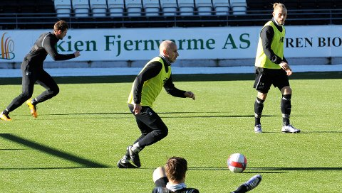 DRIVER VIDERE: Jone Samuelsen er spilleren mange mener er Odds viktigste. Nå er han endelig tilbake etter flere uker med sykdoms- og ryggtrøbbel. Nå håper 31-åringen på gode treningsuker, og spill mot Lillestrøm, før seriestarten mot Rosenborg 12. mars.FOTO: HANS EIVIND ØYGARDEN