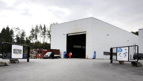SLITER ENDA: Vestmar Production i Sannidal sliter enda.