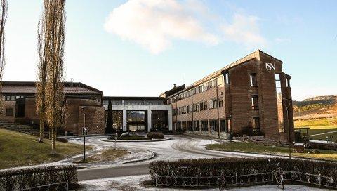 Nå skal hjemmekontoret være unntaket for de ansatte på Universitetet i Sørøst-Norge. Foto: Arkivfoto