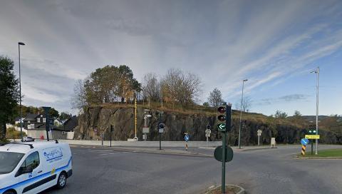 NEI TIL NY MAST: Her på Bånnåsen ved innkjøringen til Porsgrunn sentrum.