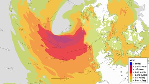 Stormsenteret som er på vei mot Norge vil legge seg vest for Danmark i natt og føre til full storm på kysten. Ute i havet vil vinden komme opp i orkan styrke. FOTO: METEOROLOGISK INSTITUTT