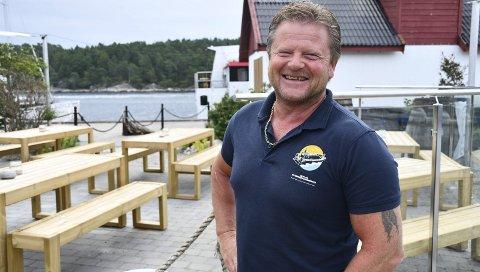 Hektiske tider: Det er mye å gjøre for daglig leder Frode Hansen nå. De søker flere folk, og håper på gode søkere. Foto: Anne Kristine Dehli