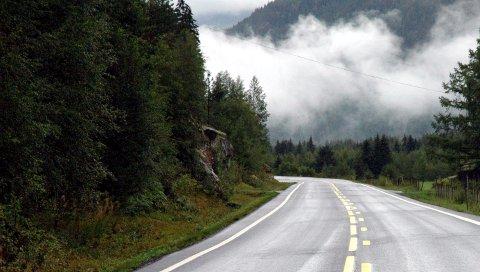 Begnadalen: Politiet i Innlandet avholdt trafikkontroll ved Fønhus onsdag ettermiddag i ei 80 km/t-sone.
