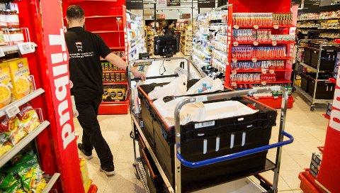 TRAVELT: Dagene før jul er ekstra travle for dem som jobber i butikk.