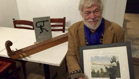 To priser: Sverre Jensen er tildelt både Egil Storbekkens Musikkpris og Rådet for folkemusikk og dans-prisen med henholdsvis litografi, steinmotiv og 25.000 kroner hver.