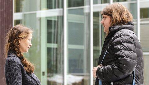 Krystallklare om kompetansekrav: Evelyn Farbrot og Espen Grøstad står mot kompetansekrav med tilbakevirkende kraft: – Dette er svært lite gjennomtenkt og veldig vanskelig å gjennomføre. Vi er bekymret for at elevene skal bli undervist av ufaglærte mens de faglærte lærerne studerer. Begge foto: Staale Reier Guttormsen