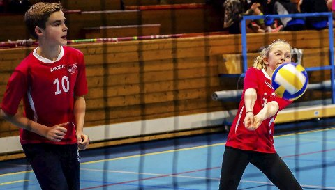 Populært tilbud: Holstad IL volleyball har spillere på alle nivåer. Her fra lørdagens hjemmecup.Foto: Bonsak Hammeraas