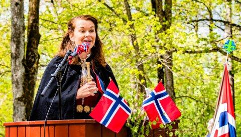 OVERVELDET: En overveldet Harriet Kjus Müller-Tyl etter å ha blitt tildelt Falsenstatuetten for 2020.
