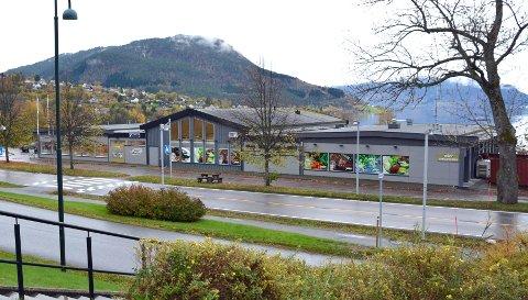 Tingvollsentret: Det er i bakkant til venstre i sentret de nye lokalene for ungdommen blir.