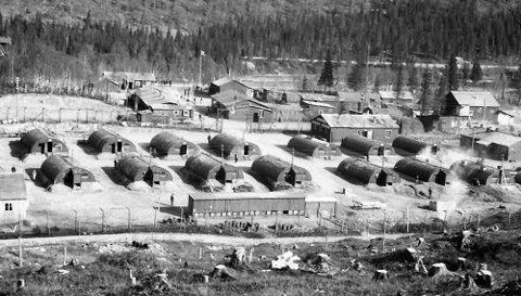 Det bodde 40 fanger i hver av disse fangebrakkene under 2. verdenskrig. Nå flyttes E6 for å bevare en viktig del av den norske krigshistorien.