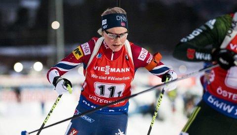 Til tross for to bomskudd, vant Hilde Fenne lørdagens sprint i IBU-cupen (nivå 2). – Formen er mye bedre nå enn i rennene etter jul. Nå begynner det å komme seg, smiler 24-åringen fra Voss. Hun håper å være blant de fire norske kvinnene som får gå øvelsene i OL. Foto: NTB scanpix