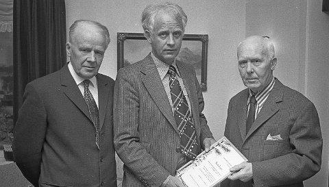 Æresmedlemmer fra 1978: Æresmedlemmer fra Vestsiden Jeger og Fiskerforning i 1978. (F, v.) Trygve Nilsen fra Skotselv, formann Kjell Fosshaug fra Hokksund og Knut Tangen fra Vestfossen. FOTO: JAN RASMUSSEN