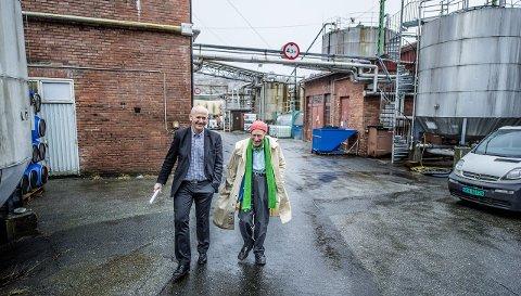 Unger Fabrikker gjør det bra. Her administrerende direktør Jan Ivar Ruud og eier Olav Thon fotografert på Nabbetorp for noen år siden. Foto: Geir A. Carlsson
