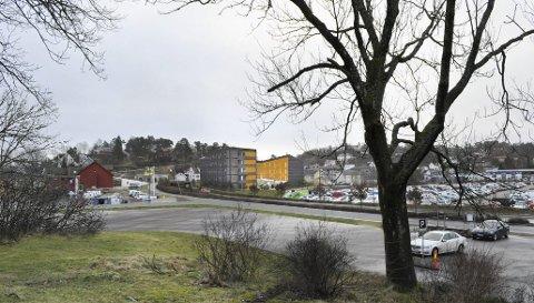 Skal stå klart høsten 2016: De nye studentboligene kommer på tomten til gamle Kråkeby barnehage. Låven på Bjølstad gård til venstre.Illustrasjon: Griff Arkitektur