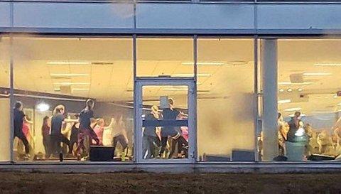 GRUPPETIMER: Sats Langnes og andre treningssenter i Tromsø har fått holde dørene åpne etter at regjeringen innførte nye koronarestriksjoner etter nyttår. Hallene er stengt.