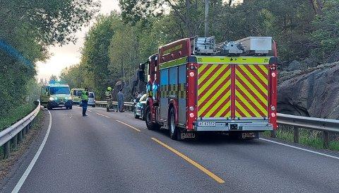 Politi, brannvesen og ambulanse rykket ut tirsdag kveld til mc-velt.