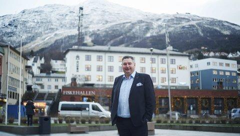 TROR PÅ VM: - Det er kjente skidestinasjoner som har arrangert store ting før, men det er det spesielle og unike, som Norge og som vi kan tilby gjennom Narvik som kan gjøre forskjellen, sier Narvik-ordfører Rune Edvardsen.foto: Kristoffer Klem Bergersen