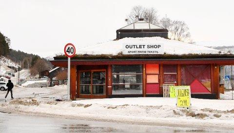 SLUTT: Butikken i Dombås sentrum er stengt.