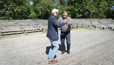 FLOTT: – Vi satser på fullt av folk her i juli, sier konferansier Sigbjørn Hemstad og Bjørn «Toten-Bjørn» Hansen.