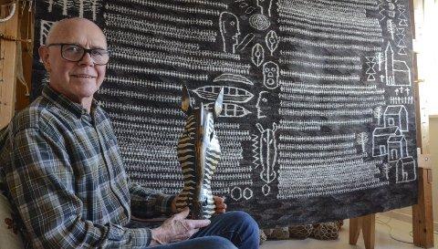 Tekstilkunstnar: Svein Nå let seg inspirera av tradisjonar, folkekunst og livet sjølv. Alle foto: Mette Bleken