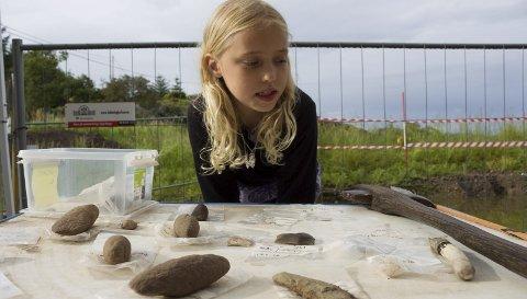 INTERESSERT: Sofie Alise Grønnestad (9) fra Haugesund storkoste seg på Åpen dag på Bokn.