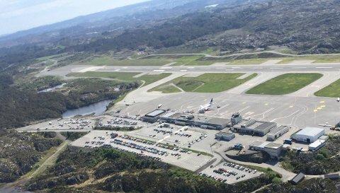 ÅPEN IGJEN: Flytrafikken skal være startet igjen på Haugesund Lufthavn Karmøy.