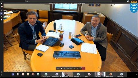 TEAM(S): Haugesund-ordfører Arne-Christian Mohn (t.h.) styrer formannskapsmøtene. Her sammen med kommunedirektør Ole Bernt Thorbjørnsen.