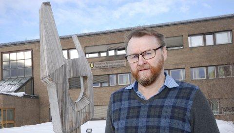 VIL HA TRYGGHET: Ulf Ballo mener at ingen innbyggere skal behøve å føle usikkerhet for matforsyningen, og ber Tine legge nedleggingsplanene i Finnmark døde.