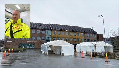 ARBEIDER I TELT: Karl Jakob Evensen er fastlege i Sandnes til vanleg. Nå har han bytta ut kontor med telt og er ein av fleire legar på smittevernlegevakta på Kleppe.