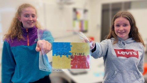 BEDRIFT: Emma Bøckmann og Oda Steinsland Moi er økonomiansvarlig og daglig leder i ungdomsbedriften «Puzzletime».
