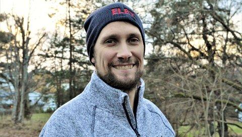 Helt konge: Are Hansen har endelig mottatt sin kongepokal etter 13 år som seniorskytter.