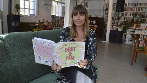Bok: Mari Kolsrud Hustoft er en av grunnleggerne bak House of Foundation. Nå gir hun ut boka «Drit & dra», en fargeleggingsbok for voksne.foto: eva fretheim