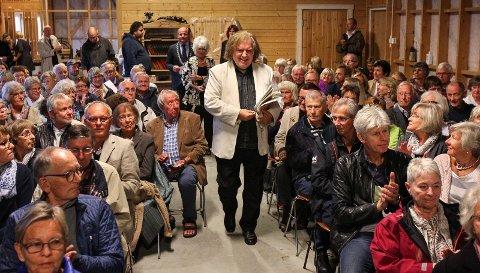 POPULÆRT: Her fra en tidligere låvekonsert som Einar Steen-Nøkleberg  arrangerte hjemme på Søndre Strøm gård i Våler.