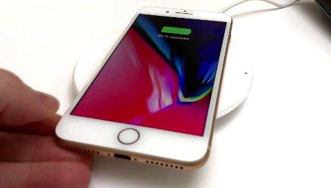 DÅRLIGERE: Når batteriet blir dårligere, kutter Apple ytelsene i iPhone