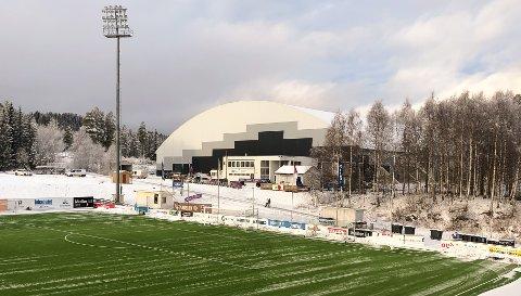 HamKam spilte intern treningskamp i storhallen på Raufoss onsdag i forrige uke. Fredag måtte alle spillerne i karantene.