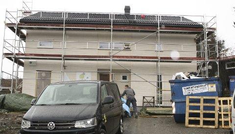STORE FORSKJELLER: Før du bygger hus må du ha byggetillatelse. Og det er ikke billig i Follo. Bildet er tatt på Langhus. FOTO: KARIN HANSTENSEN