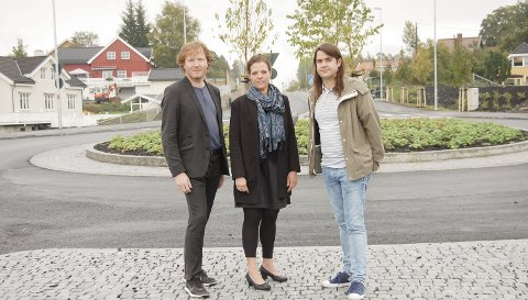 Tvangssammenslåing: Sigbjørn Gjelsvik, Marianne Røed og Anders Eidsvaag Graven er imot at kommuner slås sammen med tvang. foto: Solveig wessel
