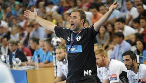 VIKTIG MATCHING: For tredje gang skal Elverum Håndball ut i Champions League. Derfor blir helgens treningsturnering i Strasbourg, mot solid internasjonal motstand, viktig for Michael Apelgrens menn.