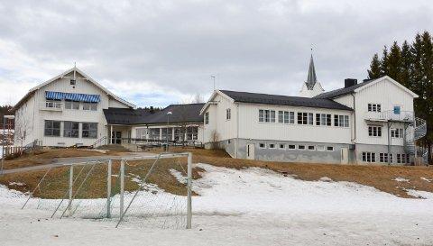 SNART TIL SALGS: Tidligere Kirkeby oppvekstsenter i Elverum.