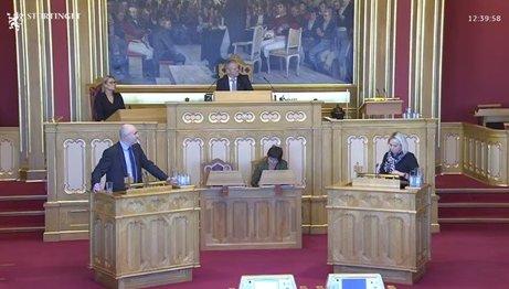 Leder av Stortingets kontrollkomite, Dag Terje Andersen (Ap, stilte spørsmål om deponisaken tilkommunal- og moderniseringsminister Monica Mæland i Stortingets Spørretime onsdag.