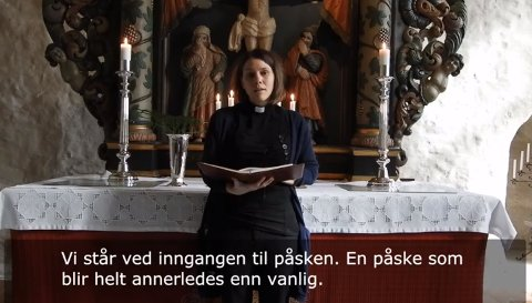 DIGITALE: Kapellan Gunhild Vesteraas Grøvle sto for den første videoandakten som ble lagt ut på facebook palmesøndag. (Skjermdump)