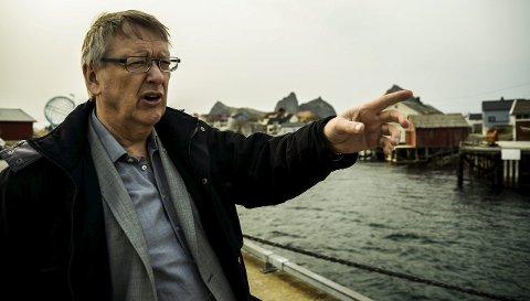 NEDGANG: Træna-ordfører Per Pedersen må konstatere en nedgang i folketallet på over tre prosent i andre kvartal i år. Det merkes i øykommunen, som har et mål om å stabilisere folketallet på over 500. Problemer i fiskeindustrier en hovedårsaken til nedgangen. Foto: Ida Madsen Hestman
