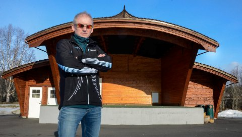 - Jeg og Hemnes Arbeiderparti er ikke lengre enige. Derfor melder jeg meg ut etter 33 år som partimedlem, sier kommunestyrerepresentant Otto Jonny Derås.